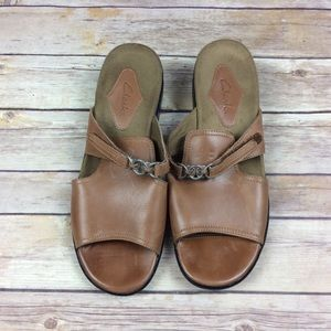 Clarks Womens Size 9M Brown Leather Slides Sandals